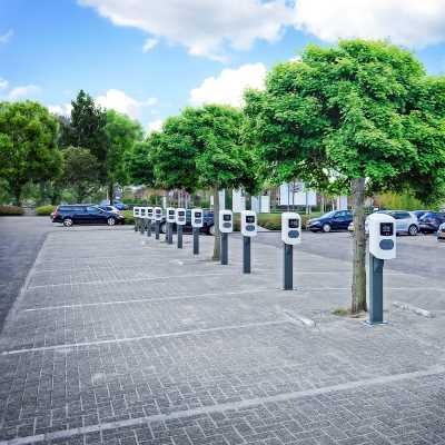 Borne de recharge parking entreprise